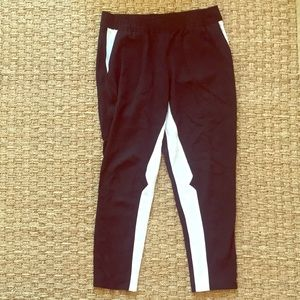 Club Monaco chic black white cropped joggers Sz 6
